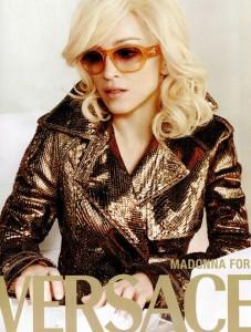 Madonna por Versace