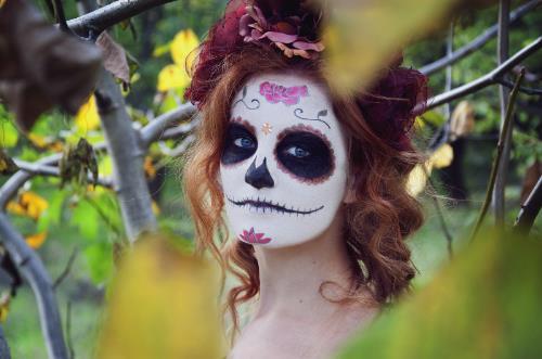 Chica maquillada para Halloween